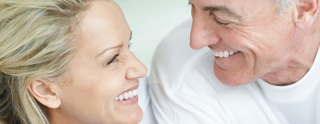 banner-pareja-implantes-dentales